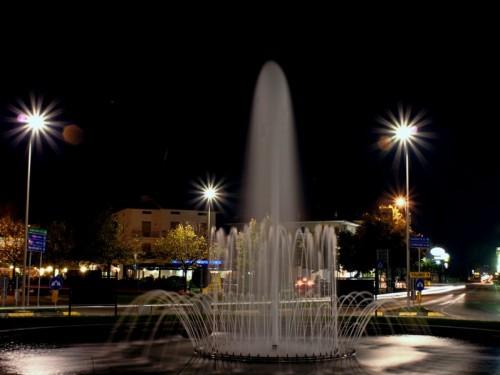 Morrovalle - Fontana in rotatoria di Notte Trodica di Morrovalle - Macerata