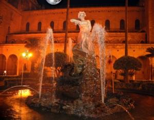 Fontana Monreale la sera al chiaror di luna