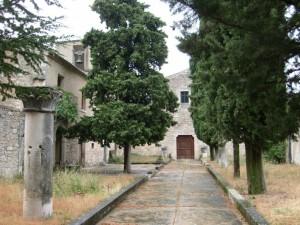 Chiostro dell'abazzia di S.M. di Monteplarizio