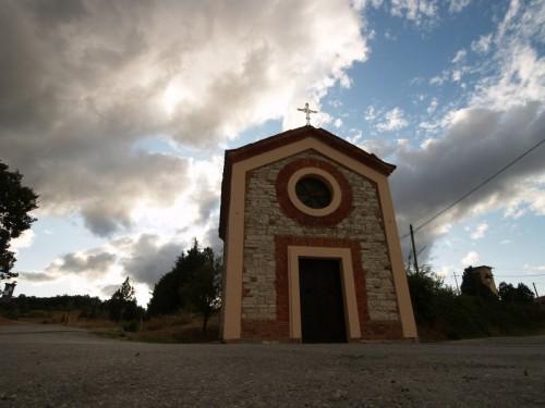 Pavullo nel Frignano - Piccola chiesetta tra Pavullo nel Frigano e Monteombraro