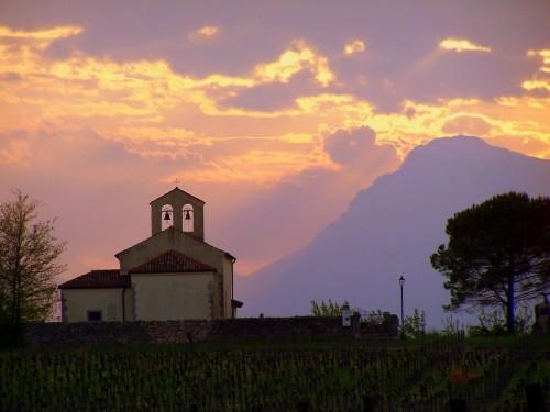 Rive D'Arcano - chiesetta di campagna