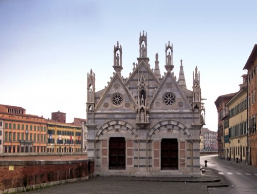 Pisa - - lungo l'Arno -