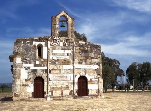 Villaspeciosa -  - la chiesa nel parco -