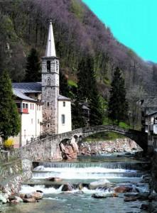 La chiesa di Fontainemore e il suo ponte