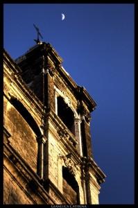 Chiesa e luna
