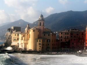 Una chiesa tra le onde