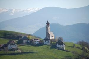 chiesa a Monte di Mezzo