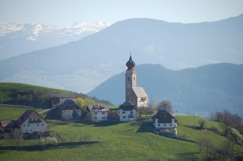 Renon - chiesa a Monte di Mezzo