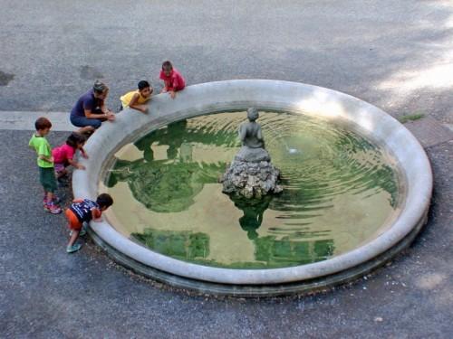 Firenze - fontana con bimbi