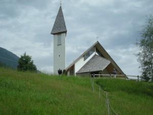 altra vista della chiesetta di Vernago