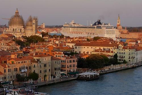 Venezia - Navigando tra i campanili