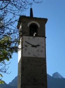 Particolare del campanile Chiesetta di Cogne Fraz. Gimillan