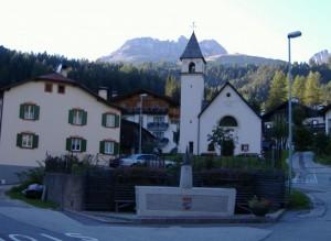 La Chiesa e la fontana.