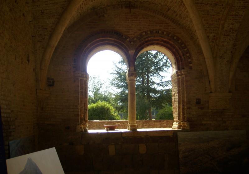 ''Bifora abbazia di San Galgano'' - Chiusdino