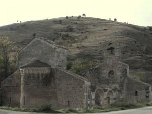Ruderi della chiesa di S. Maria di Cartignano - Bussi sul Tirino (PE)
