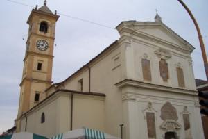 la chiesa sulla piazza del mercato