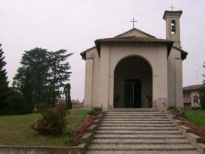 Chiesetta vicino al cimitero