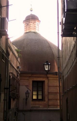 Cagliari - - la grande cupola -