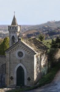 chiesa con sfondo Basilica di Loreto
