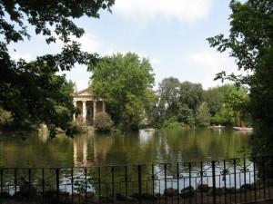 Ancora il tempietto di villa Borghese.
