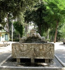 un fontanone di villa Borghese.