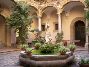 Cortile Palazzo Olivares
