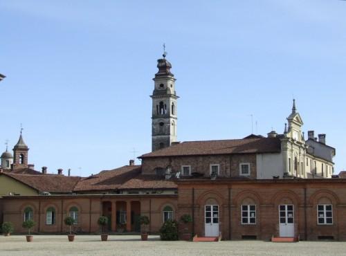 Racconigi - veduta della Chiesa di Santa Croce dalla Reggia