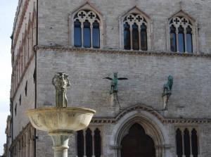 Dettaglio fontana Maggiore su Palazzo del Comune di Perugia