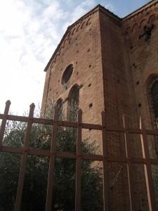 la chiesa imprigionata