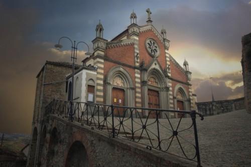 Castiglione Falletto - Chiesa di Castiglione Falletto