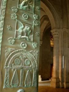 porta dell'abbazia di Casamari