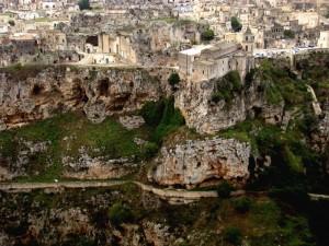 San Pietro Caveoso…….La chiesa  sospesa nella roccia!