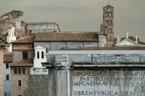 Roma tra sacro e profano