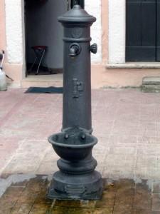 Fontana pubblica