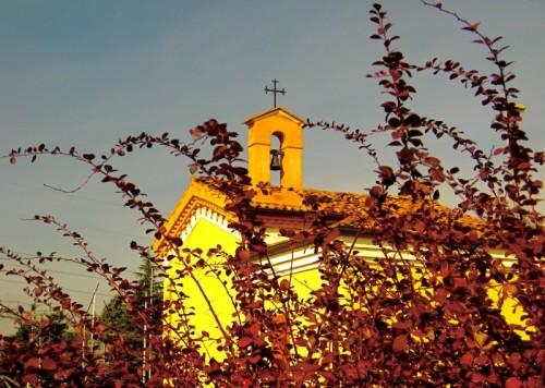 Castenaso - Spiando la croce...