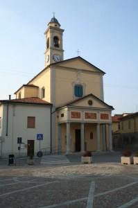 San Michele Arcangelo, e la piazza