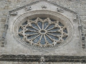 Il rosone della cattedrale di Larino