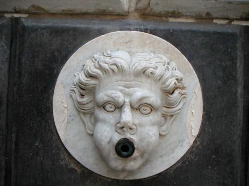 Napoli - Fontana del Capone