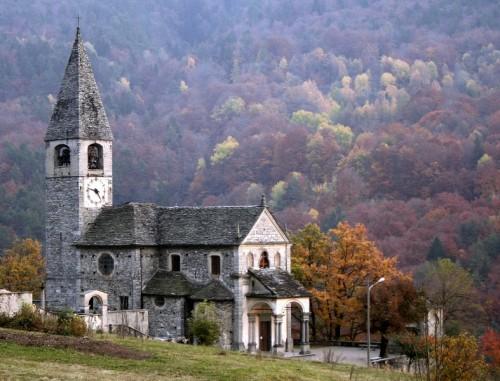 Druogno - Chiesa in autunno