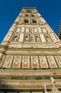 Sotto Il gigante (Campanile di Giotto)