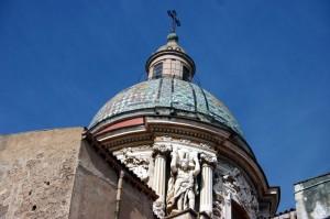 particolare della cupola della chiesa del Carmine