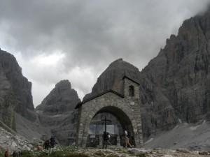 Chiesetta alpina al Rifugio Maria e Alberto ai Brentei