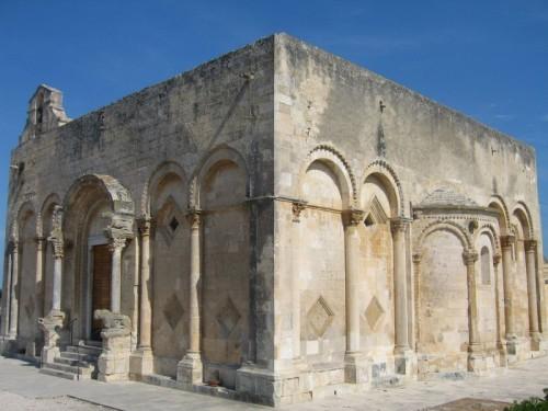 Manfredonia - S. Maria di Siponto - Geometrie
