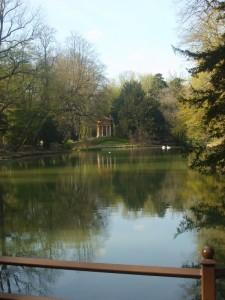 Tempietto sul lago
