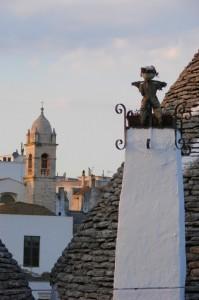 Campanile chiesina di Alberobello (BA)