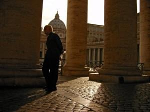 un prete in san pietro