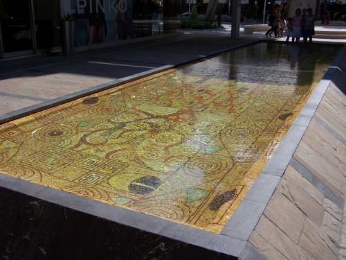 Cervia - fontana a mosaico