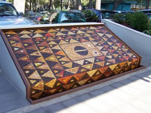 Cervia - fontana mosaico 2