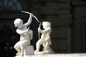 Angeli che giocano (particolare fontana giardino di Boboli)