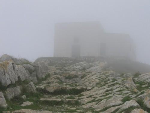 Massa Lubrense - Chiesa di San Costanzo nella nebbia
